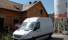 Doprava hutnicích stroji (hutnici deska a nebo pěch)  na stavbu a vzpjat do půjčovny (paušál )