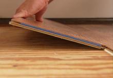 Položení laminátové plovoucí podlahy s lepenými hranami, cena práce za m2