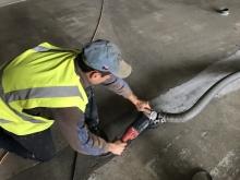 Vybroušení nerovností betonu brusným kotoučem, cena práce za m2