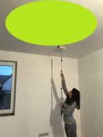 Malování stropu válečkem běžnou interiérovou barevnou barvou v 1 vrstvě, cena práce za m2