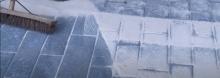 Spárovaní  zámkové dlažby včetně zhutnění hutnici deskou z gumovou podložkou  cena práce bez materiálu  za m/b