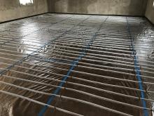 Montáž teplovodního podlahového vytápění bez systémové desky, cena za m2