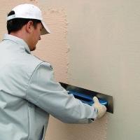 Aplikace škrábané silikonové strukturální fasádní omítky, cena práce bez materiálu za m2