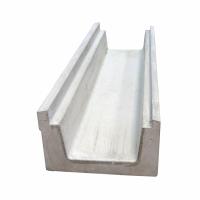 Betonový přelivový žlábek pro pvc fólie