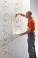 Lepení papírové, vinylové, vliesové tapety se vzorem, cena práce za m2