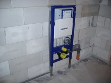 Montáž  splachovací WC nádržky (podmítkový modul) - zakotvení, připojení vody a odpadu, cena práce bez materiálu  za ks