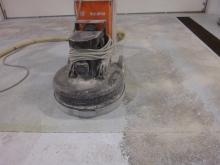 Broušení betonové podlahy (cemflow), cena práce za m2