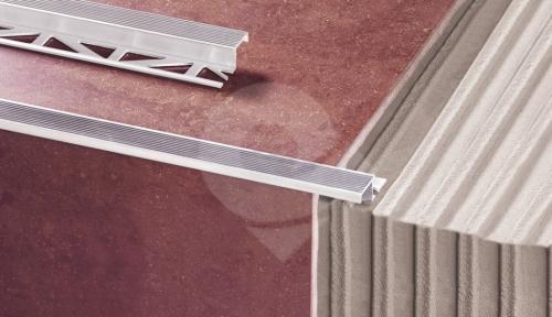 Schodová lišta k dlažbě Z profil Cezar eloxovaný hliník 10mm 2,5m
