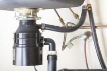 Instalace drtiče odpadu pro kuchyňský dřez, cena práce za ks