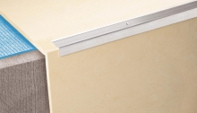 Schodová hrana vrtaná Cezar 35x15mm 3m stříbrná
