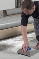 Položení PVC podlahy celoplošně lepené, cena práce za m2
